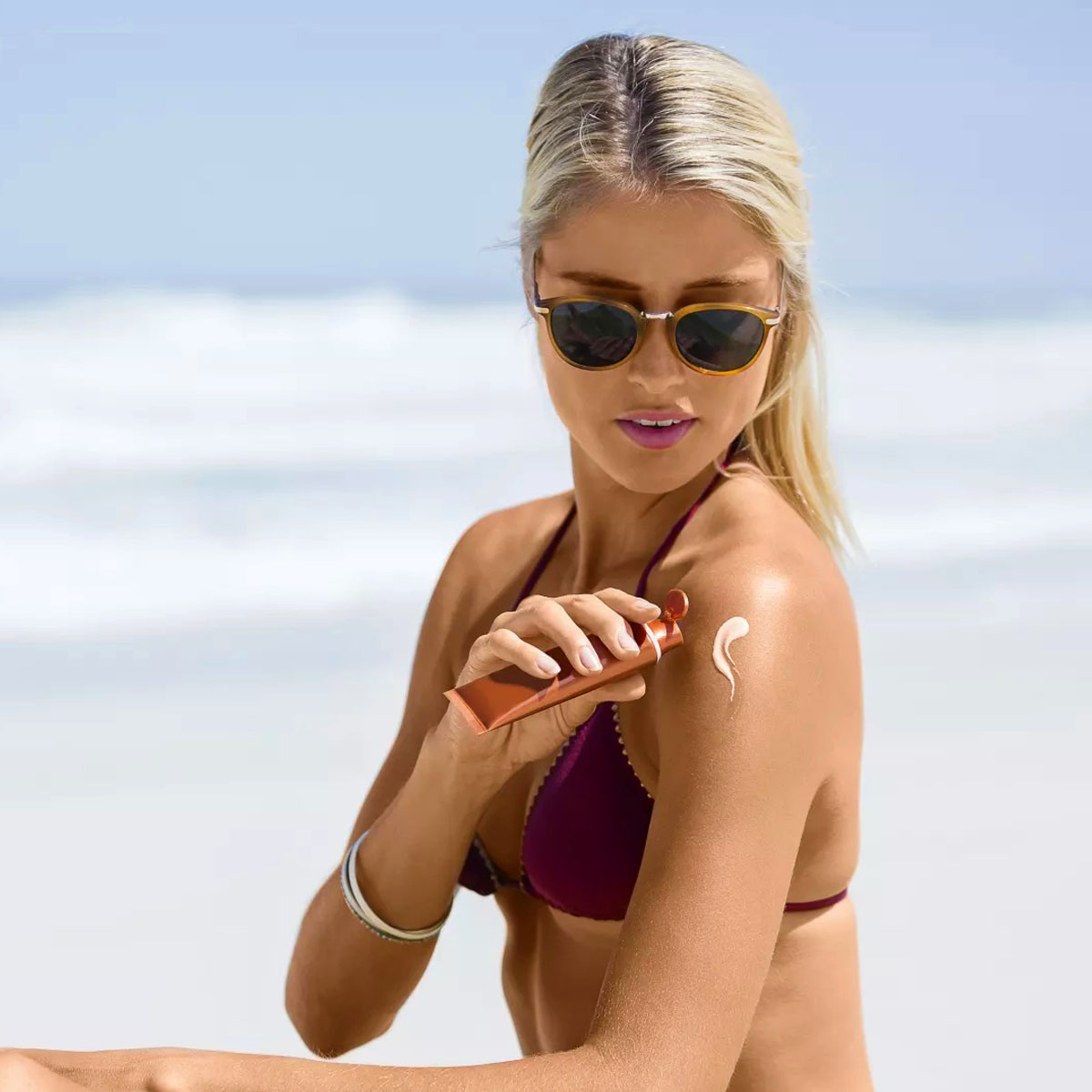 Natural Instinct Sunscreen Tinted Face 100g_media-02